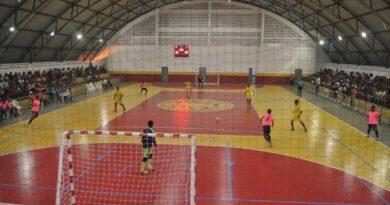 Defenidos os finalistas da copa de futsal de Candeias